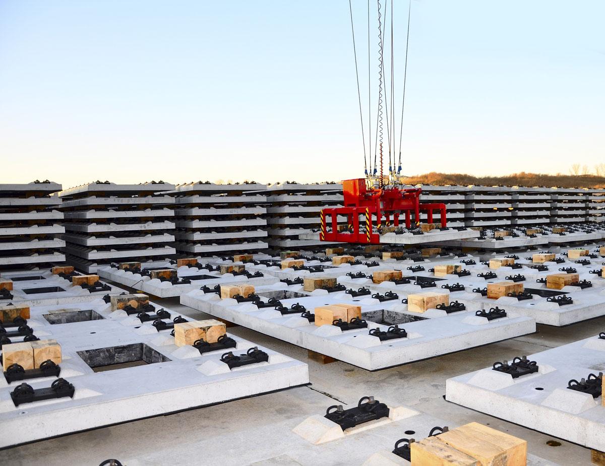 Herstellung und Vormontage der hochkomplexen Gleistragplatten im Stammwerk Wöllersdorf der MABA
