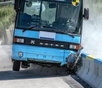 DELTABLOC® hat bereits über 300 Crashtests bei zertifizierten Testinstituten durchgeführt
